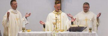 Privítanie nového pána kaplána